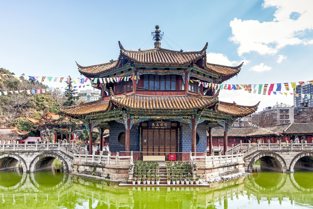 Буддийский храм юаньтун в куньмине